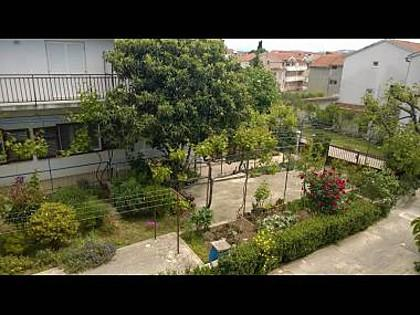 courtyard (house and surroundings) - 01506VODI A2(4) - Vodice - Vodice - rentals
