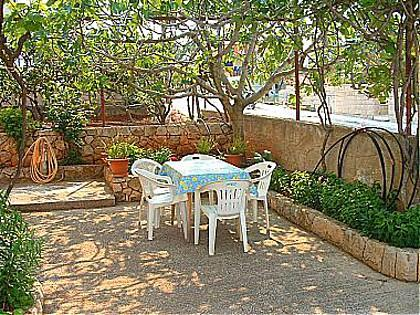 garden terrace (house and surroundings) - 01601SUPE A1(6) - Supetar - Supetar - rentals