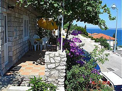 covered terrace (house and surroundings) - 00217TRPA SA1(3) - Trpanj - Trpanj - rentals