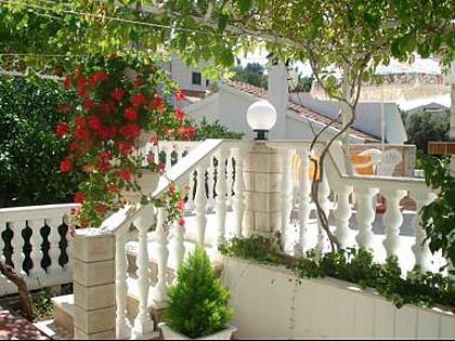 terrace (house and surroundings) - 02007VINI  A1(2+1) - Vinisce - Vinisce - rentals