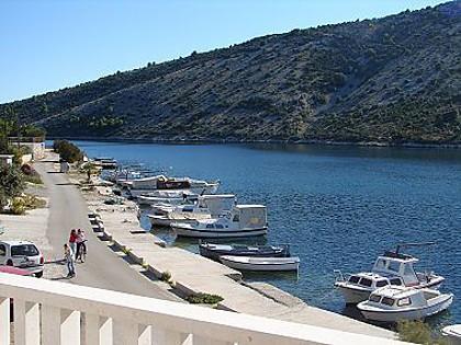 A2(2+2): terrace view - 02107VINI  A2(2+2) - Vinisce - Vinisce - rentals