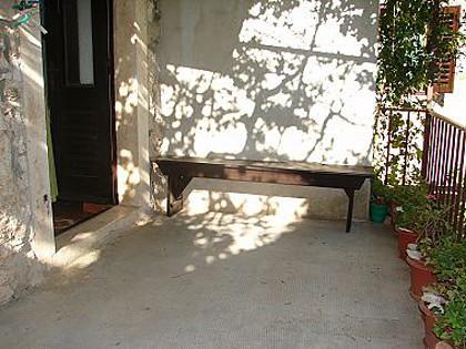 A1(4): terrace - 01801SUTI  A1(4) - Sutivan - Sutivan - rentals