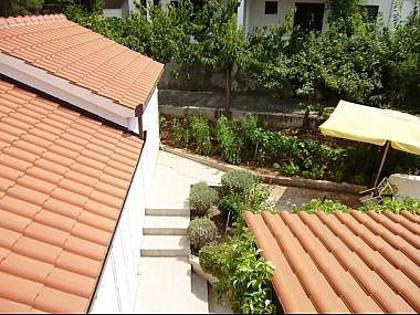 A1(3): view (house and surroundings) - 01301SPLI  A1(3) - Splitska - Splitska - rentals