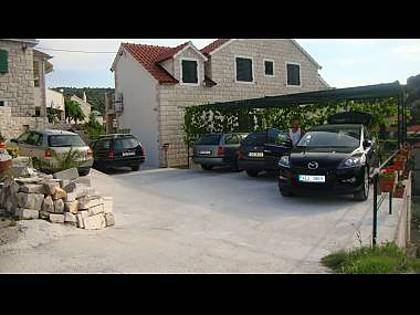 parking (house and surroundings) - 002SPLI A1(4+1) - Splitska - Splitska - rentals