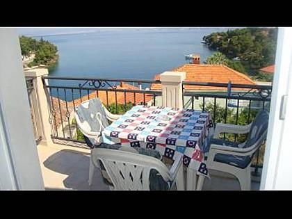 A3(4+1): terrace - 002SPLI A3(4+1) - Splitska - Splitska - rentals