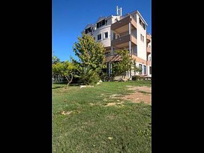 house - 4053  R1(3) - Split - Split - rentals
