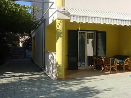 A4 Plavi (2+1): garden terrace - 7148  A4 Plavi (2+1) - Petrcane - Petrcane - rentals