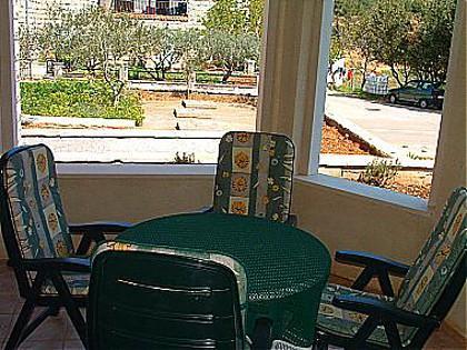 A1(2): garden terrace - 00101PUCI A1(2) - Pucisca - Pucisca - rentals