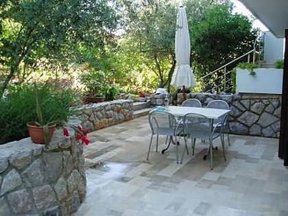 A3(2+2): garden terrace - 2337  A3(2+2) - Cres - Cres - rentals