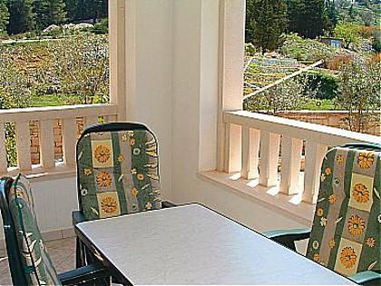 A2(2): garden terrace - 00101PUCI A2(2) - Pucisca - Pucisca - rentals
