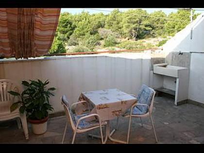 A3 Vrh (4): terrace - 2908  A3 Vrh (4) - Slatine - Slatine - rentals