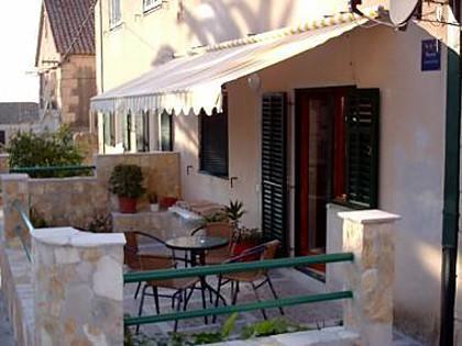 A1(2+2): garden terrace - 2979  A1(2+2) - Komiza - Komiza - rentals