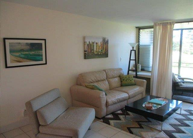 Living Room - Turtle Bay 013 West *** - Kahuku - rentals