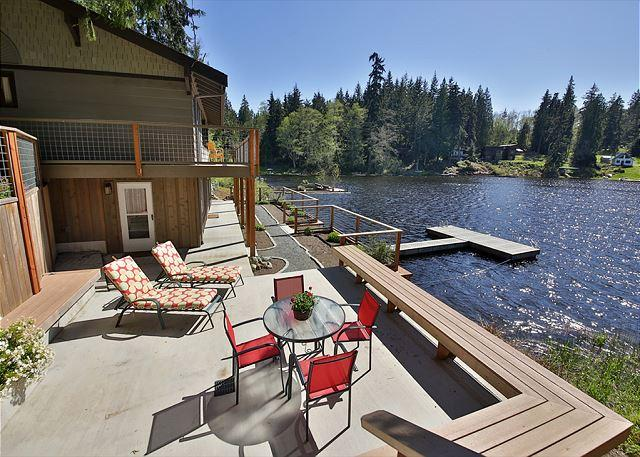 Inviting, Lakefront, modern home with impeccable views! 3 Bedrooms-Langley - Image 1 - Langley - rentals