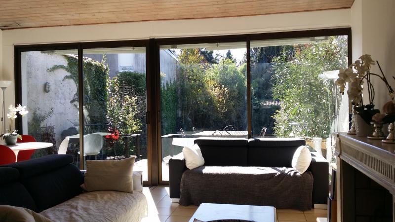 SUPERBE GRANDE  MAISON clim avec beau JARDIN - Image 1 - Bordeaux - rentals
