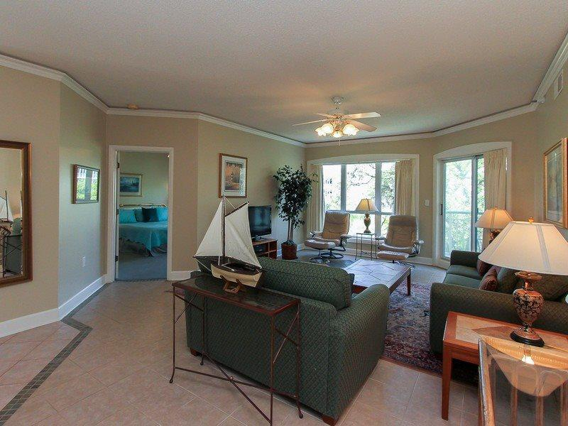 Living Room at 2416 Windsor II with Flat Screen TV - 2416 Windsor II - Palmetto Dunes - rentals