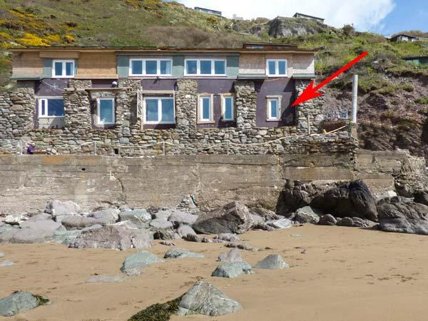 BEACHCOMBER'S COTTAGE, pet friendly, character holiday cottage in Millbrook, Ref 4465 - Image 1 - Millbrook - rentals