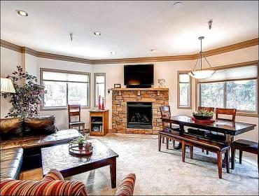 Steps from the Slopes with Brand New Furniture and Carpeting - Located Steps from the Slopes - 1/2 Block to Mainstreet (13230) - Breckenridge - rentals