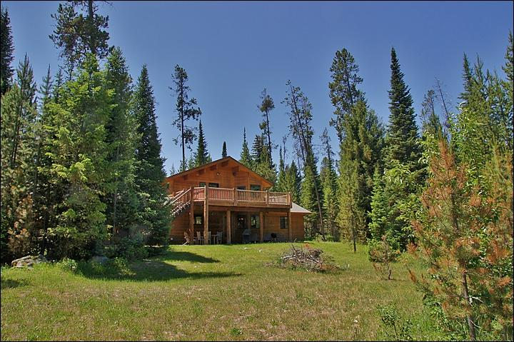 Private Home at the Base of the Teton Range in Wilson - Private and Secluded Location - Floor-to-Ceiling Windows in the Living Room (6941) - Wilson - rentals