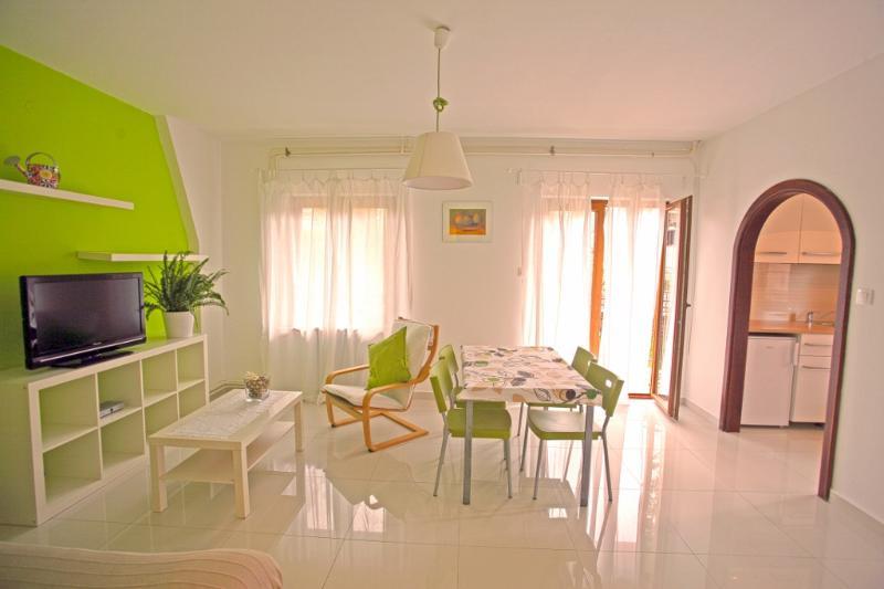 Apartments Maras Porec A2+2 WIFI - Image 1 - Porec - rentals