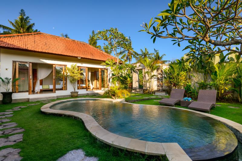 A tranquil setting, space to unwind, well thought-out design and comfort await you - Romantic Tranquillity in Canggu 2BD - Canggu - rentals