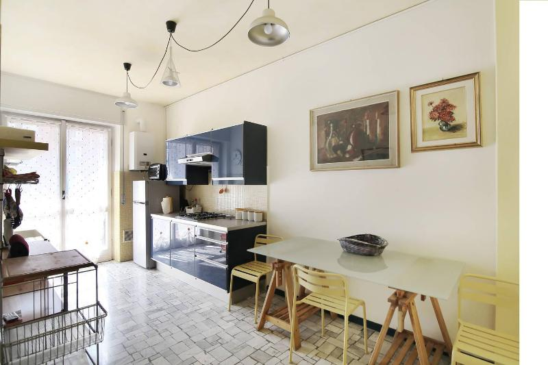 New, comfortable and cheap flat close to metro - Image 1 - Milan - rentals