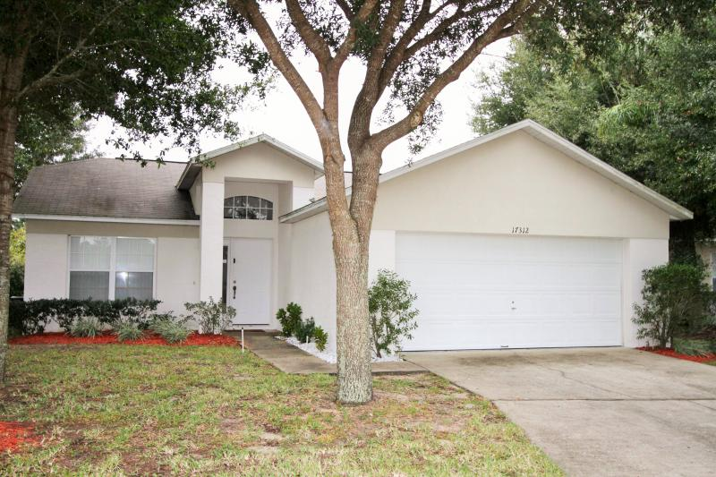 4 Bedrooms-lovely pool near Disney - Image 1 - Clermont - rentals