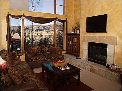 Sunny, Luxury Living Area - Large TV, Gas Fireplace, Views - Beaver Creek-Arrowhead Luxury - Pinecone Lodge  (11106) - Edwards - rentals