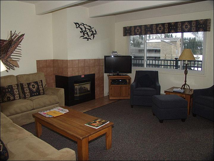 Spacious, Comfortable Living Room - Perfect for a Small Group or Family - All the Comforts of Home (23590) - Vail - rentals