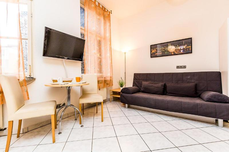 Central located apartment in nice neighbourhood - 80 Cologne Südstadt - Cologne - rentals
