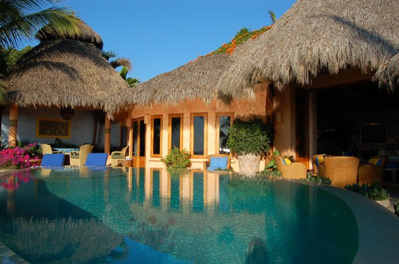 Beachfront pool terrace - Casa Calabaza - Beachfront! - San Pancho - San Pancho - rentals