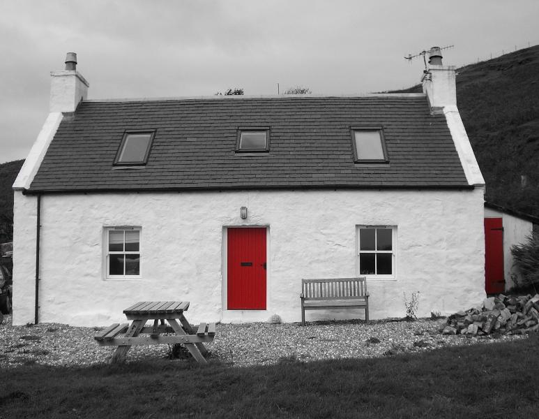 Front of The Old Croft House - The Old Croft House - Ardvasar - rentals