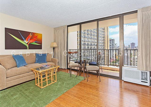 One bedroom vacation rental with partial ocean view –short walk to the beach! - Image 1 - Waikiki - rentals