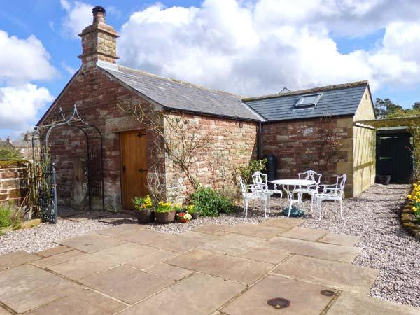 THE COBBLES, stone-built cottage, romantic retreat, en-suite bedroom, walks and cycle routes nearby, near Penrith, Ref 12060 - Image 1 - Penrith - rentals