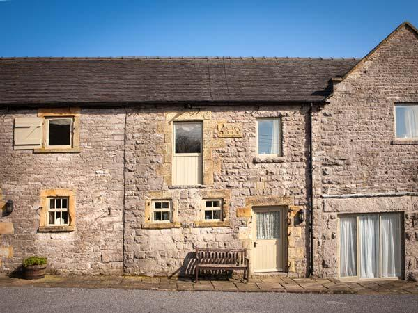 WELL COTTAGE, part of the Chatsworth Estate, pet-friendly, woodburner in Wetton Ref 17464 - Image 1 - Wetton - rentals