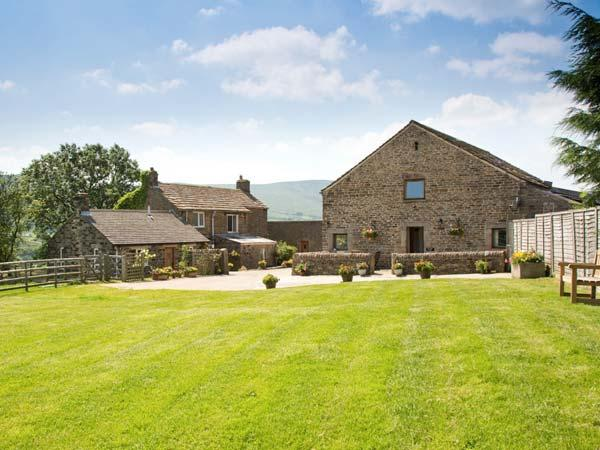 MEADOW VIEW, luxury holiday cottage, with a garden in Edale, Ref 2063 - Image 1 - Edale - rentals