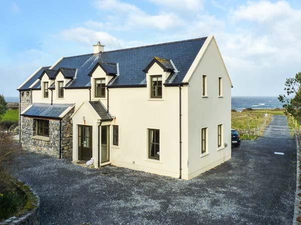 SURF AND BURREN VIEW, sea views, open fire, family-friendly in Fanore, Ref 25987 - Image 1 - Fanore - rentals