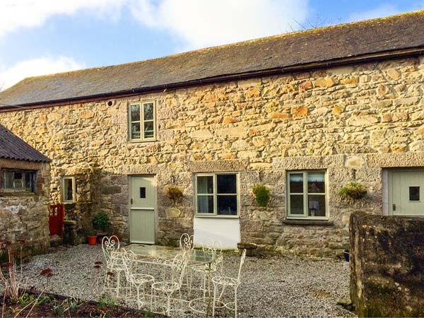 POLDARK COTTAGE, pet friendly, character holiday cottage, with a garden in Helston, Ref 911858 - Image 1 - Helston - rentals