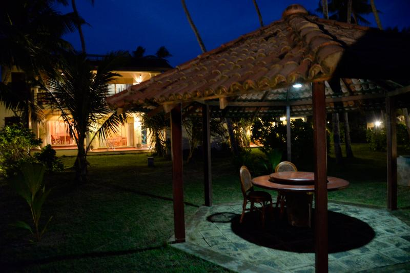 Max Wadiya lit up at night - Max Wadiya an idyllic beach property in Sri Lanka - Hikkaduwa - rentals