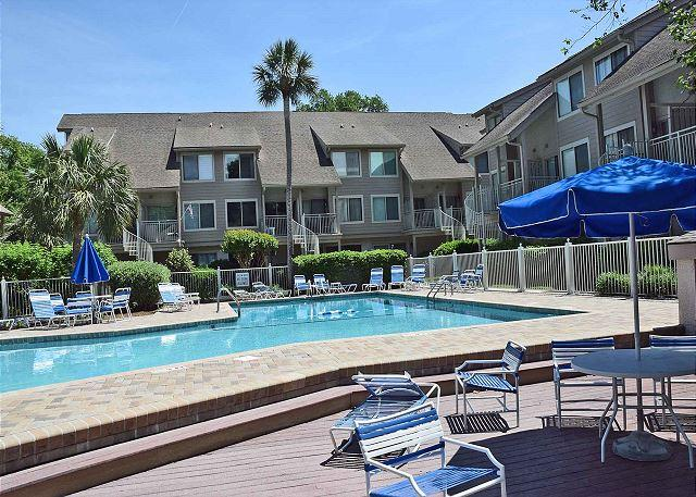 Courtside 105 - Charming Updated Forest Beach Townhouse - Image 1 - Hilton Head - rentals