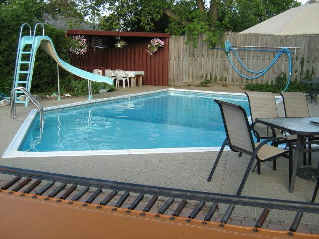 Milton ON - Private heated pool, hot tub, tampoline - Toronto outskirts, centre of the  PAN AM cycling - Toronto - rentals