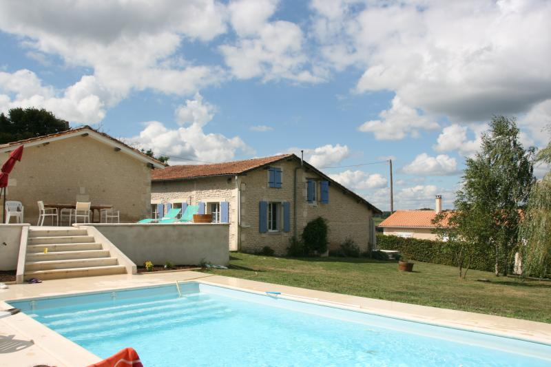 Pool looking towards Gite - A Piece of Paradise with a Heated Pool - Poitou-Charentes - rentals