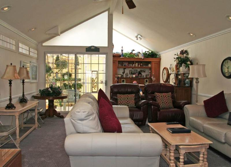 305 Sumner Ave - Image 1 - Catalina Island - rentals