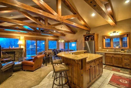 Amazing kitchen With Stainless Steel Appliances, Island, Granite Counter tops - Eagles Nest Chalet - Steamboat Springs - rentals