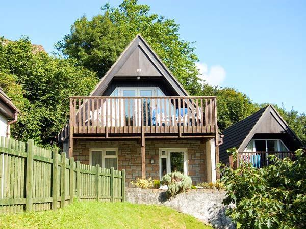 59 VALLEY LODGE, pet friendly, country holiday cottage, hot tub in Gunnislake Near Dartmoor, Ref 5198 - Image 1 - Gunnislake - rentals