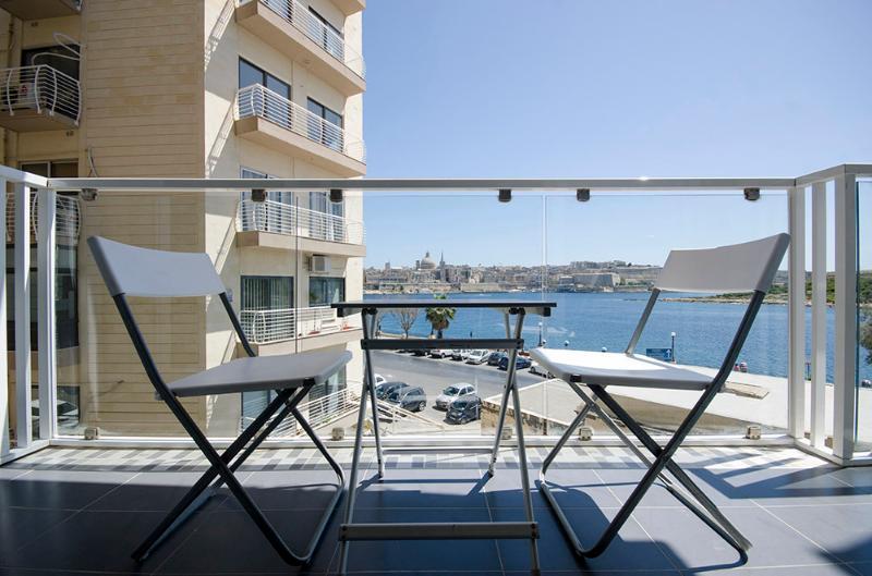 063 Bastion Views Sliema 2-bedroom Apartment - Image 1 - Sliema - rentals