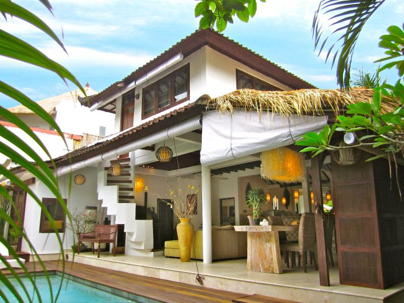 Villa E1, seen from the garden - Romantic Hideaway in the Heart of Seminyak - Kuta - rentals