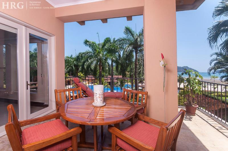 Enjoy breakfast on the balcony with ocean view. - Ocean Condo - Bella Vista 3C - Herradura - rentals