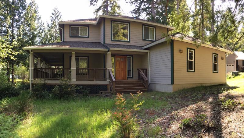 Hartstene Pointe home with Puget Sound view - Image 1 - Shelton - rentals