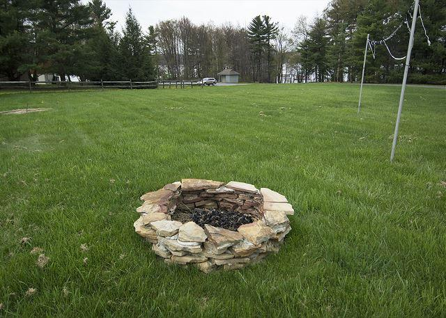 Fire pit - Almost Lakefront - Swanton - rentals